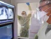 مطورون يبتكرون برنامجا ذكيا يمكنه تشخيص الإصابة بفيروس كورونا من الصور