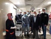 محافظ بورسعيد يتفقد مستشفى السلام ويشيد بالأطقم الطبية.. صور
