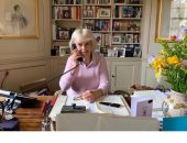 مكتب الأمير تشارلز يعلن تطوع 750 ألف شخص ببرنامج مكافحة كورونا بمشاركة زوجته