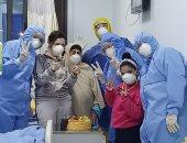خروج أصغر طفلة مصابة بفيروس كورونا من مستشفى العجمى بعد شفائها