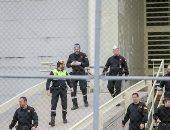 """118 ألف سجين """"على الأسفلت"""" بسبب """"كورونا"""".. كيف تراقب أوروبا سجناءها المحررين؟"""