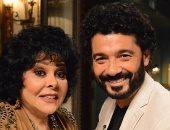 خالد النبوى: منى زوجتى عايشة وهى خايفة بسبب تأثرى بالفن لدرجة مخيفة