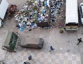 سيبها علينا .. شكوى من انتشار القمامة بشارع محطة السوق بالإسكندرية