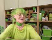 """""""جرين وومن"""" مسنة هولندية لا ترتدى إلا اللون الأخضر.. صور"""