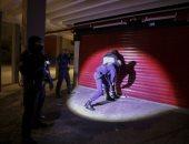 الشرطة الفرنسية تعتقل مخالفى حظر التجول فى مدينة نيس لمواجهة كورونا
