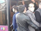 """صحيفة: بسبب التزاحم الشديد.. خطة """"التباعد الاجتماعى"""" مهمة مستحيلة فى إيران"""