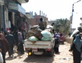 صور.. فض سوق قرية الديدامون بالشرقية لمواجهة فيروس كورونا