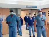 """دكتور تيك توك.. طبيب يدخل الابتسامة فى قلوب مرضى """"كورونا"""" برقصات مبهحة"""