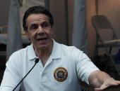 حاكم نيويورك يهدد بحجب التمويل عن المناطق الموبوءة بكورونا