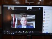وزير الرى يفتتح دور تدريبية باستخدام منصة التعلم عن بعد.. صور