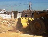 محافظ المنيا: إزاله 16 حاله تعد بالبناء المخالف للقانون على أملاك الدولة والأراضى الزراعية