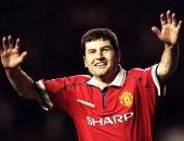 مدافع مانشستر يونايتد السابق يختار أفضل 11 لاعبا جاورهم فى مسيرته