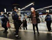 الشرطة تبدأ في فرض قيود على الطرق مع بدء إجراءات العزل العام في مدريد