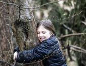 تفكير برة الصندوق.. غابات أيسلندا تقدم حلا للعناق رغم تفشى كورونا