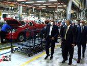 رئيس الوزراء يزور مصنع جنرال موتورز للاطمئنان على تطبيق الإجراءات الوقائية