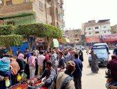 فض سوق ميدان الحرازية بطوخ لمواجهة كورونا.. صور