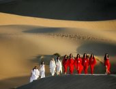 من سور الصين العظيم لـ قصر مراكش.. 7 عروض أزياء أقيمت بأماكن لا تنسى