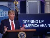 """ترامب يرسم طريق """"عودة الاقتصاد"""".. ويبشر الأمريكيين بـ""""اجتياز ذروة الوباء"""""""