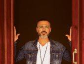 إلزم بيتك.. شريف عبد المنعم يغني للتوعية من فيروس كورونا