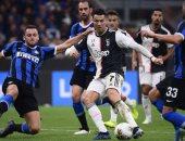 يوفنتوس يستعد لضم مدافع هيلاس فيرونا فى الموسم الجديد