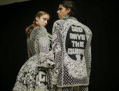 مجلس الأزياء البريطانى يدمج عروض الرجال والنساء فى منصة محايدة