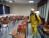 صور.. جامعة عين شمس تواصل تعقيم منشآتها لمكافحة فيروس كورونا