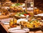 كلى كويس واشربة مية كتير.. نصائح لتناول الطعام الصحى خلال شهر رمضان