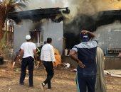 نجاة أسرة بعد اندلاع حريق فى استراحة بالقرب من معبد أبو سمبل.. صور