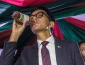"""رئيس مدغشقر يعلن اكتشاف """"شاى عشبى"""" يشفى من كورونا خلال 7أيام.. ويجربه بنفسه"""