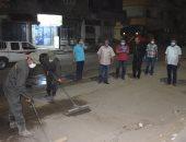 صور.. السكرتير المساعد للأقصر يتفقد حملات النظافة وتطبيق حظر التجوال بالشوارع