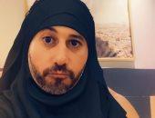 أحمد السعدني يهنئ جمهوره لحلول شهر رمضان بصورة طريفة بفلتر الحجاب