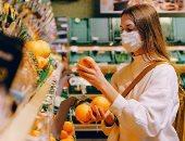 """أهم نصائح """"الشوبينج فى زمن الكورونا"""".. احذرى رش الخضروات والفاكهة بالمطهرات"""