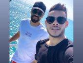 عبد الله السعيد ينشر صورة بصحبة دونجا على البحر