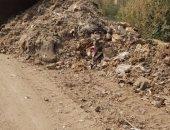 رفع 15 طن من الأتربة والقمامة فى حملة مكبرة بمركز دار السلام بسوهاج