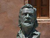 س وج.. هل الأحداث السياسية فى اليونان مصدر إلهام ريتسوس للشعر ؟