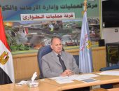 محافظ أسيوط يستعرض الوضع الصحى وحملات إزالة التعديات وجهود التطهير