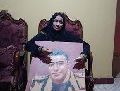 والدة الشهيد مغربي دبابة فى أول ظهور لها: آخر مكاملة قالى أنا جاى بس مش عليكم