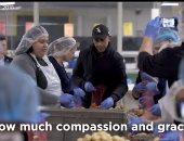 باراك أوباما يستعيد ذكرياته فى مستودع شيكاغو للطعام ويثنى على مجهوداتهم
