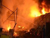 السيطرة على حريق التهم ورشة ومخزنى أخشاب جنوب الأقصر.. صور