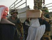 الضحكة لم تفارق وجه منسي مع أهل سيناء.. صورة جديد ينشرها بيتر ميمي لشهيد الصاعقة