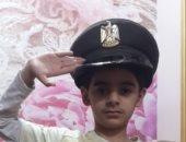 بالكاب الميرى.. قارئ يشارك بصور لطفليه وهما يؤديان التحية العسكرية