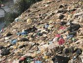 شكوى من تراكم القمامة فى شارع البحر قرية سيديمين بالفيوم
