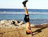 زاهد سالم لاعب الاسكواش يتدرب فى العزل الصحى بعد عودته من سويسرا