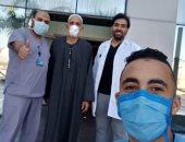 خروج 3 حالات جديدة من مستشفى أبو خليفة للحجر بعد تعافيهم من كورونا.. صور