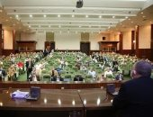 وزير الرى يجتمع بشركات مقاولات تتعامل مع الوزارة لمناقشة مشروع تأهيل الترع