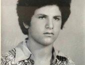 بقميص وقصة سبعيناتي .. أعرف مين ده من نجوم الفن فى شبابه
