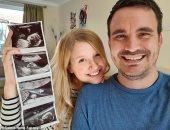 بريطانية تقاوم الاكتئاب من 5 عمليات إجهاض بعد مولودتها الأولى.. كيف احتفلت بها؟