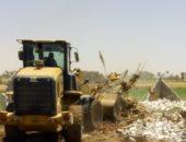 صور.. إزالة 15حالة تعد على أرض زراعية فى حملة بمركز الواسطى