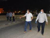 صور.. سكرتير وقيادات الأقصر يقودون جولة ليلية لمتابعة حملات النظافة