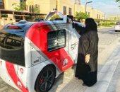 سيارات ذاتية القيادة لتوزيع كمامات ومطهرات ونظارة لقياس حرارة مستخدمى المواصلات